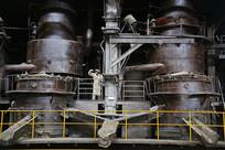 炼钢车间炼钢设备工人