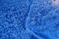 大兴安岭雪原雪林山路(航拍)