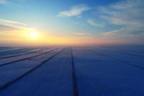 呼伦贝尔冬季农田暮色苍茫