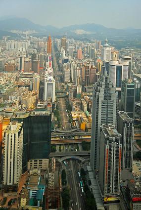 深南大道上深圳标志建筑群