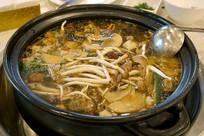 炖锅美食-清汤鲜黄牛肉