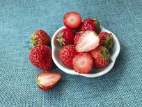 水果红颜草莓