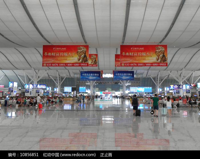 深圳北站候车厅室内图片