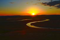 草原河湾暮色夕阳风景