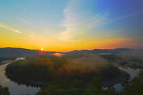 大兴安岭激流河白鹿岛晨雾日出