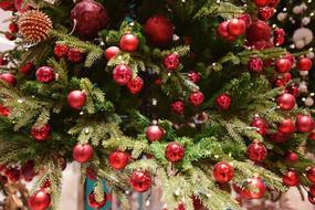 圣诞树上的圣诞装饰