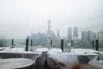 雨中东方明珠