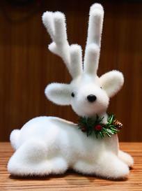 白色的圣诞小鹿