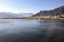 高原拉萨河
