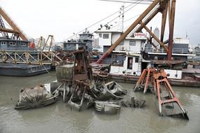 黄浦江河道疏浚