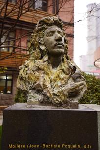 上海戏剧学院的莫里哀雕像