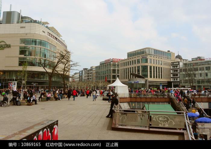 德国法兰克福-城市中心广场图片