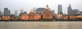 历经风云的上海外滩建筑群