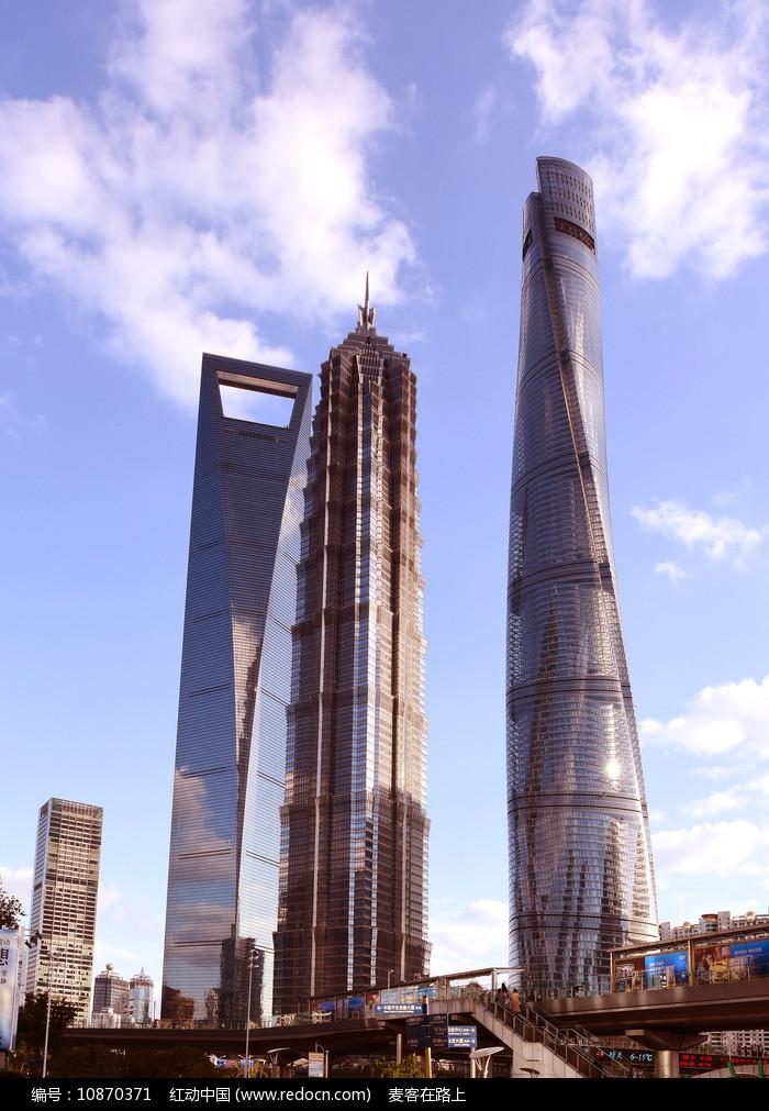 上海陆家嘴的三大高层建筑图片