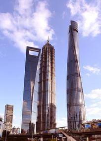 上海陆家嘴的三大高层建筑
