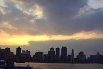 上海外滩建筑群剪影