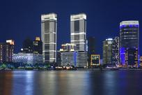 夜幕下的上海北外滩