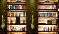 书店的书架