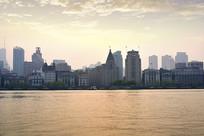 午后的上海外滩建筑群