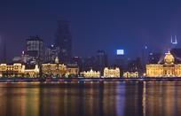 夜幕中的上海外滩建筑群
