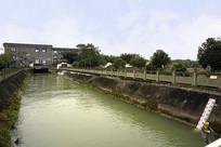 成都东风渠上的自来水净水厂