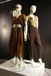 德国服装店橱窗时尚女装
