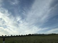 意大利蓝天草原