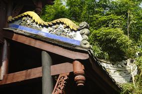 中式门楼垂脊灰塑装饰