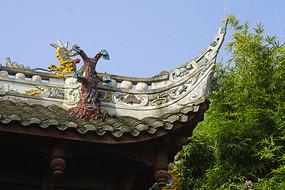 中式门楼飞檐灰塑装饰