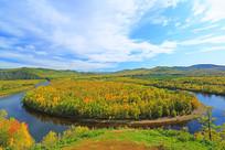 大兴安岭秋季激流河白鹿岛风光