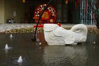 翻尾石鱼喷泉雕塑