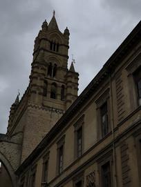 圣马利亚升天大教堂哥特式塔楼