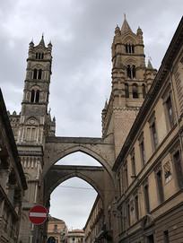圣马利亚升天大教堂塔楼