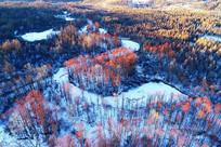 大兴安岭冬季冰封河流树林