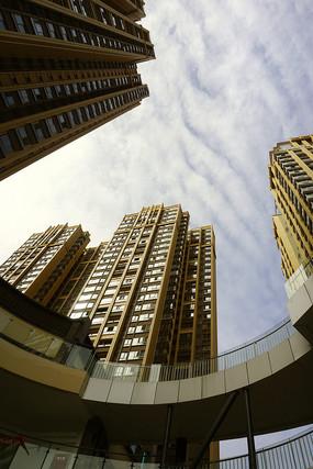 城市高楼仰拍
