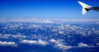 航拍的龙门山脉