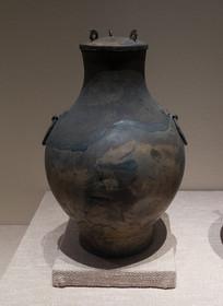 战国文物双耳铜壶