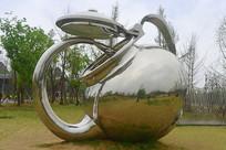 奇异的茶壶雕塑