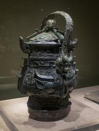 商代文物兽面纹提梁铜卣
