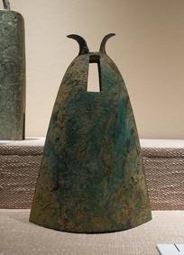 西汉文物羊角钮钟