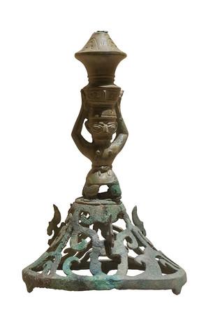 商代文物铜顶尊跪坐人像白背景