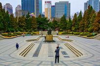 沈阳中山公园广场全景与雕像