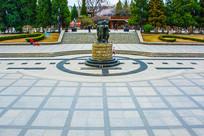 沈阳中山公园广场与儿童雕像