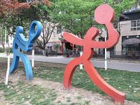 体育场红蓝色羽毛球雕塑