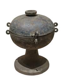 战国文物铜豆白背景