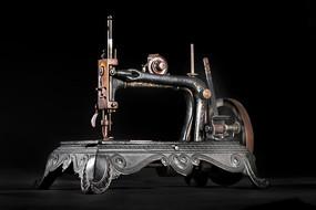 铸铁手摇缝纫机