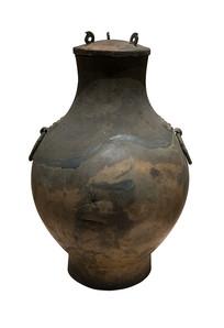 战国文物双耳铜壶白背景