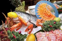 自助餐厅里的生猛海鲜