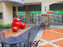 西班牙风情街西红柿雕塑