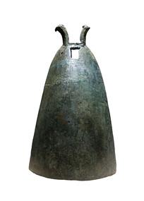 战国至西汉文物羊角钮钟白背景